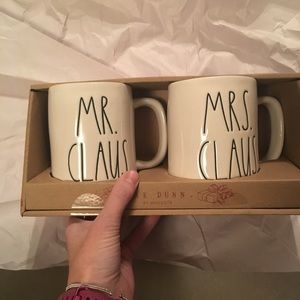 Rae Dunn Mr. Claus & Mrs. Claus Mugs new